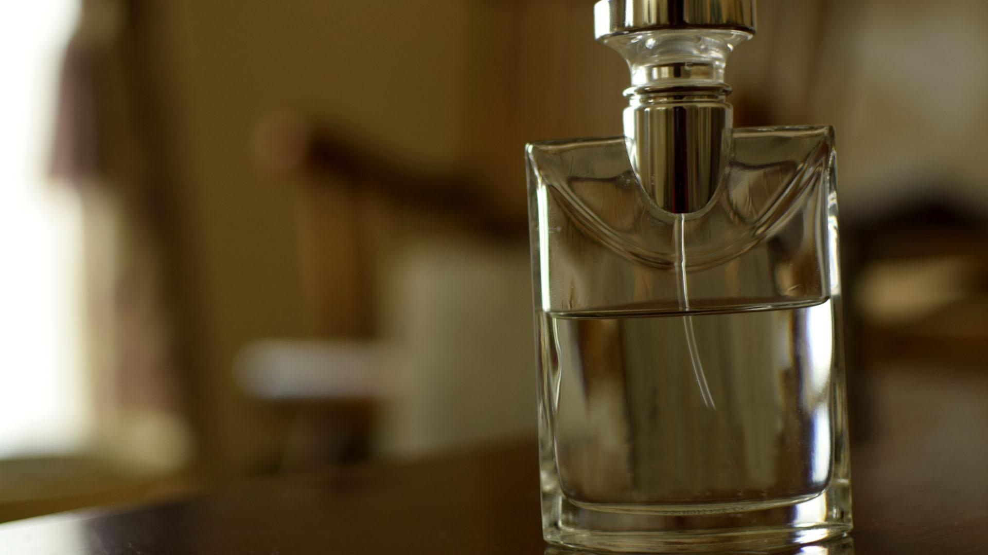 男の香水入門!!香水の種類と付け方を紹介【モテる男へ変身しよう】