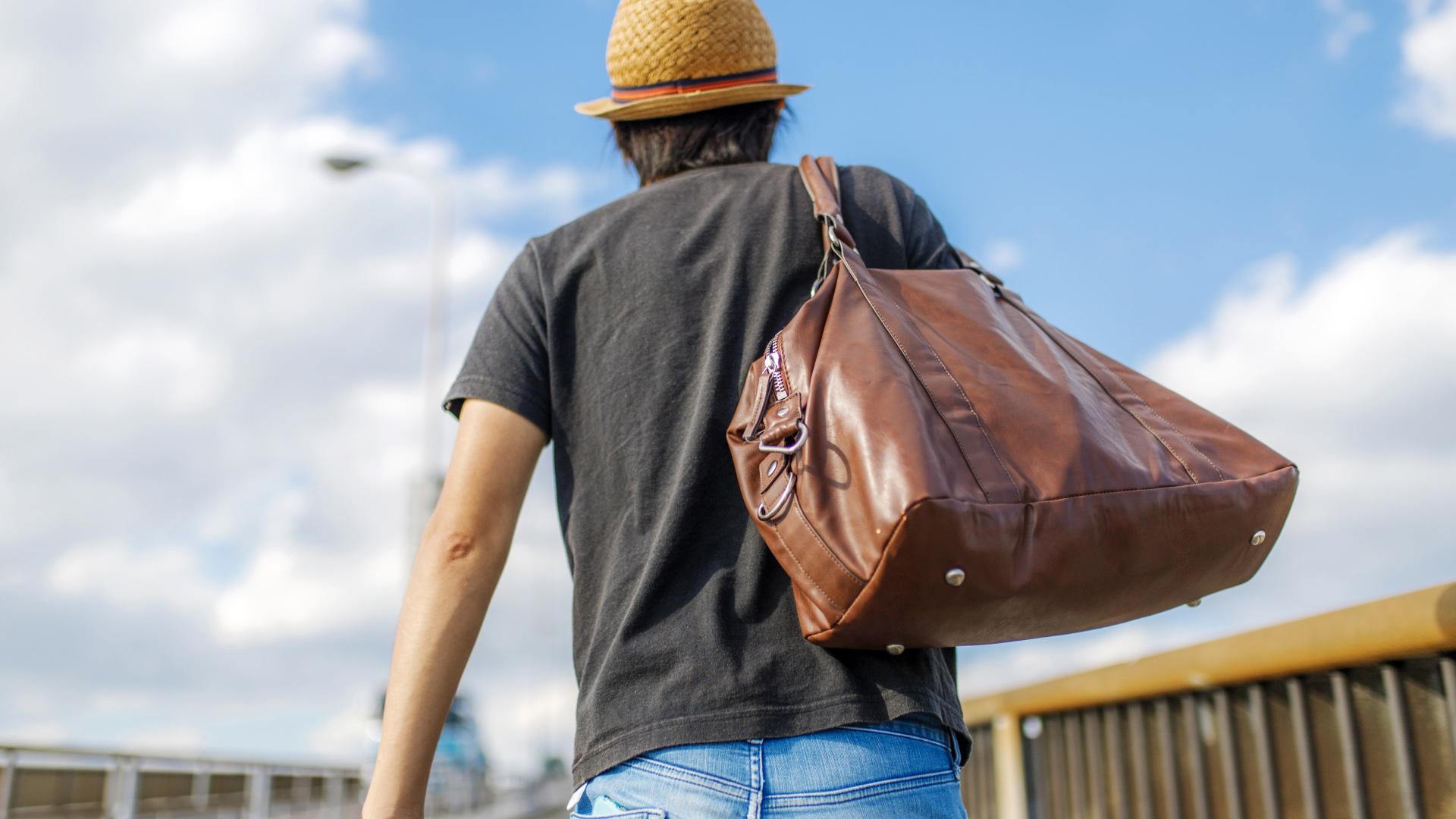 【要注意】男のダサいバッグの特徴8選!女性ウケも最悪です。
