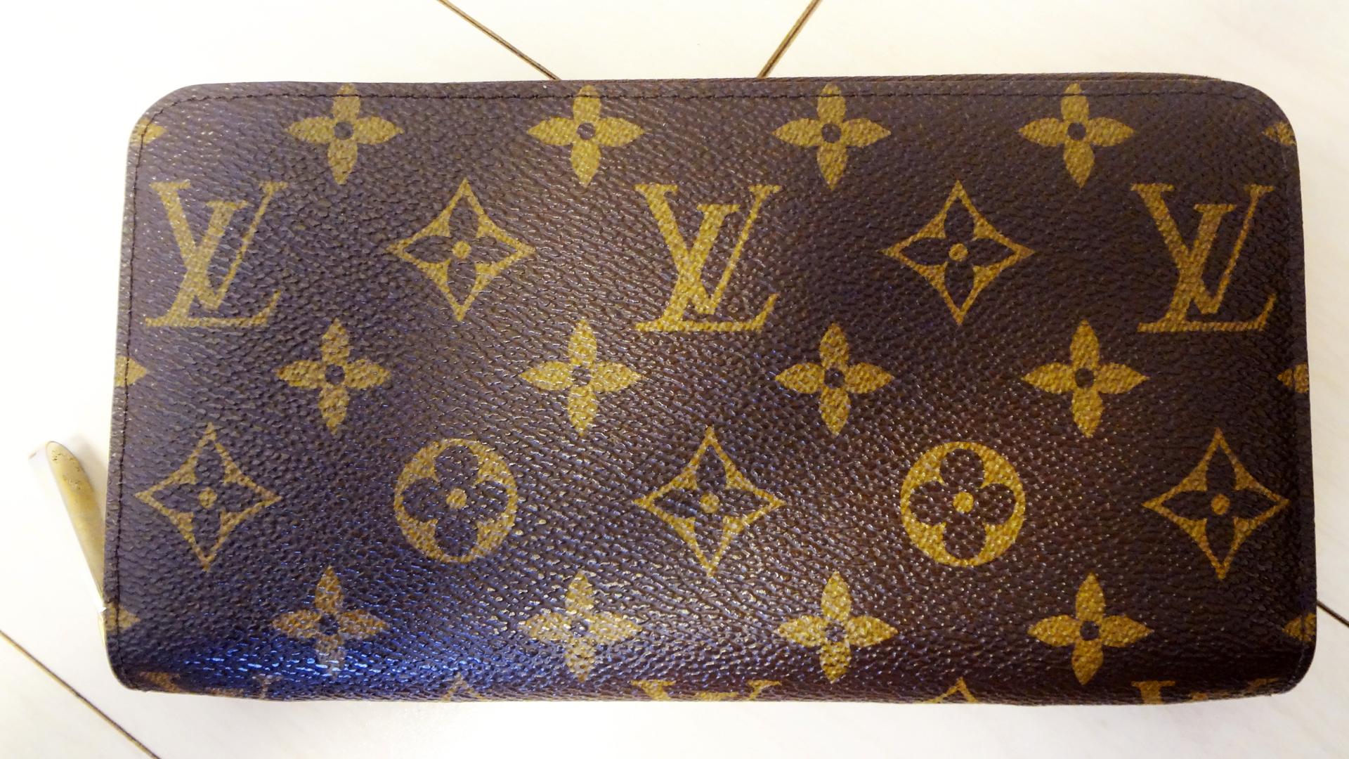【メンズ】モノグラムの財布はダサい?女性ウケ最悪なのは本当なのか。