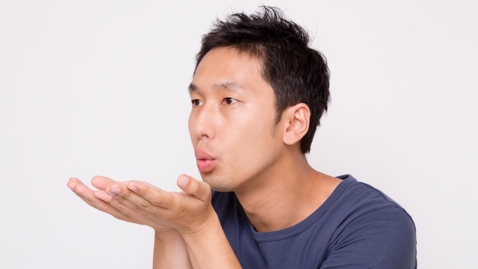 【メンズ必見】なぜ男は口臭が発生するの?口臭ケアの方法とは?