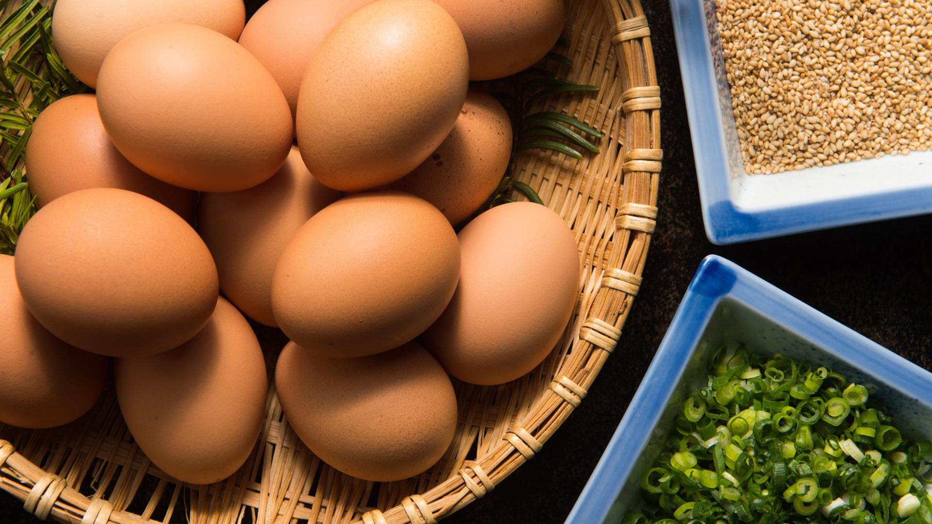 【薄毛予防】ハゲに効果がある食べ物と栄養素とは?【育毛促進】